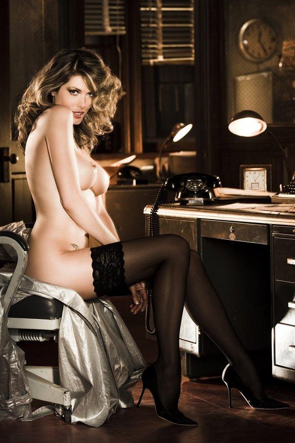 tara_moss_mens_magazine_nude_shoot